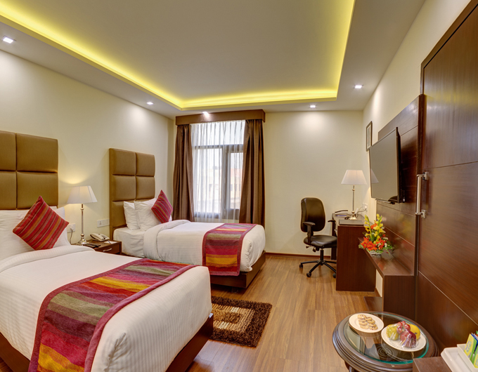 Deluxe-Room-Twin-Beds-Days-Hotel-Jalandhar